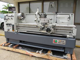 560mm Swing Centre Lathe, 80mm Spindle Bore - picture4' - Click to enlarge