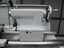 560mm Swing Centre Lathe, 80mm Spindle Bore - picture7' - Click to enlarge