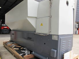 560mm Swing Centre Lathe, 80mm Spindle Bore - picture10' - Click to enlarge