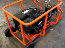 Petrol Screw Compressor 15HP 35CFM 145PSI - picture2' - Click to enlarge