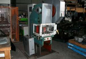 Tos   Inclineable 40 Ton Press