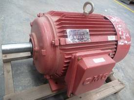 NEVER USED CMG 10HP 3 PHASE ELECTRIC MOTOR/ 715RPM - picture1' - Click to enlarge