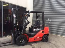 Used Toyota 8FD25 diesel forklift for sale - picture0' - Click to enlarge