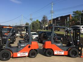 Used Toyota 8FD25 diesel forklift for sale - picture5' - Click to enlarge