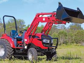 Mahindra 1538 HST Tractor - picture3' - Click to enlarge