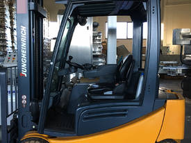 AS NEW Jungheinrich 48V Electric Forklift VERY LOW - picture0' - Click to enlarge