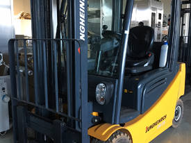 AS NEW Jungheinrich 48V Electric Forklift VERY LOW - picture2' - Click to enlarge