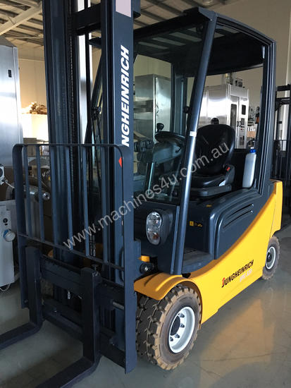 AS NEW Jungheinrich 48V Electric Forklift VERY LOW
