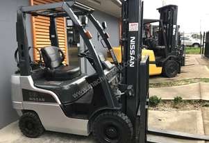 Nissan P1F1A18 Forklift 4.7 Lift Container Mast