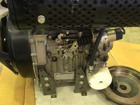 BRAND NEW LOMBARDINI ENGINE - picture2' - Click to enlarge