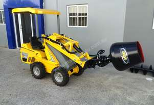 2018 Ozziquip Puma Mini Loader with Fencers