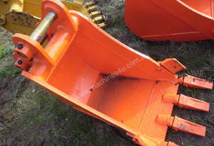 Or  HITACHI EXCAVATOR BUCKET
