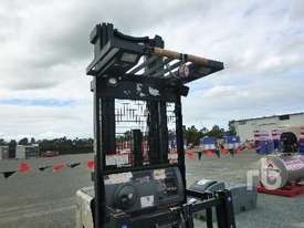CROWN SP3520-30 Electric Forklift - picture3' - Click to enlarge