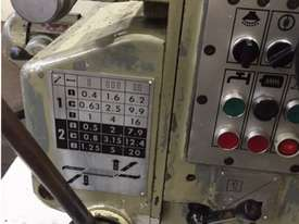 Gambia Universal Milling Machine - picture3' - Click to enlarge