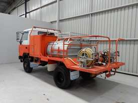 Mitsubishi Canter Cab chassis Truck - picture2' - Click to enlarge