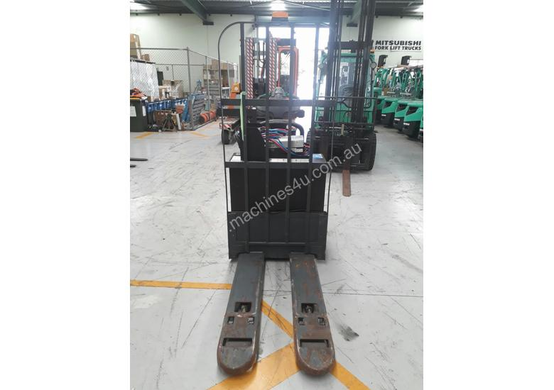 Mitsubishi PWR30 electric pallet mover