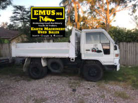 2001 Daihatsu Delta Tipper Truck.  TS453 - picture0' - Click to enlarge