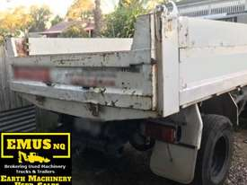 2001 Daihatsu Delta Tipper Truck.  TS453 - picture1' - Click to enlarge