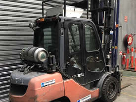 Toyota 32-8FGJ35 LPG / Petrol Counterbalance Forklift - picture2' - Click to enlarge