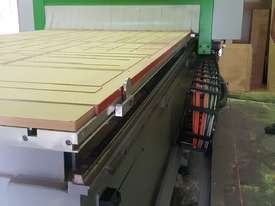 CNC Machine, 2.4m bed - picture9' - Click to enlarge