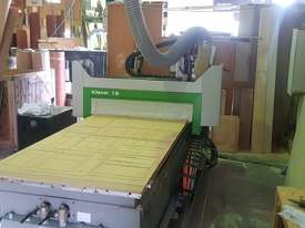 CNC Machine, 2.4m bed - picture18' - Click to enlarge