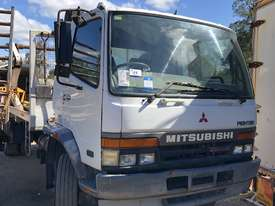 1998 Mitsubishi Fighter Wrecking Stock #1723 - picture0' - Click to enlarge