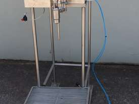 Piston Filler - picture1' - Click to enlarge