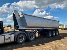 ROADWEST tri axle lead trailer - picture2' - Click to enlarge