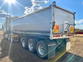 ROADWEST tri axle lead trailer - picture3' - Click to enlarge