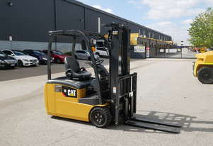 CAT 1.8T 3-Wheel Electric Forklift EP18TCB