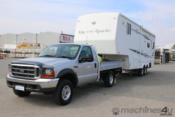 Fifth Wheeler Package Including 2003 Ford F250 XLT and 2007 King Of The Road 32FT Caravan