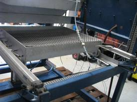 Heavy Duty Vacuum Former - picture3' - Click to enlarge