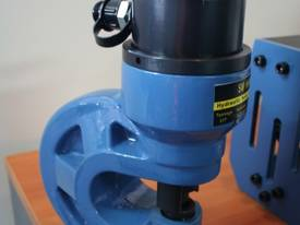 700Kg Capacity HAND & FOOT HYDRAULIC PUMPS - picture5' - Click to enlarge