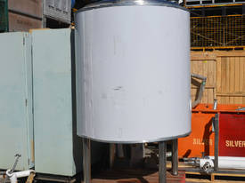 2000L 316 pressure rated insulated Storage Tank - picture0' - Click to enlarge
