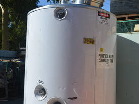 2000L 316 pressure rated insulated Storage Tank - picture2' - Click to enlarge
