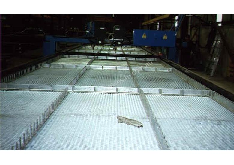 Profile Cutting Systems water cutting table.