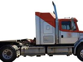 Freightliner FL112 Prime Mover, recon motor