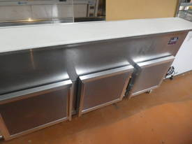 2.4m Sandwich Bar/Deli Display - picture7' - Click to enlarge