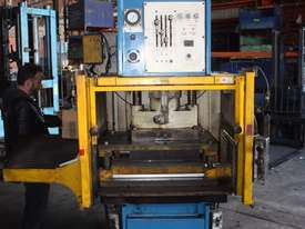 PJ Hare 63HP Hydraulic Press 63 tonne 630kN 18.5kW - picture0' - Click to enlarge