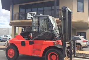 12,000Kg diesel Linde forklift with a wide shifting fork positioner