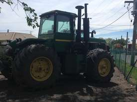 John Deere 8450 Articulated Tractor - picture1' - Click to enlarge