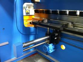 SM-PB300-4000NC2-S 4000MM X 300TON NC PRESSBRAKE - picture2' - Click to enlarge