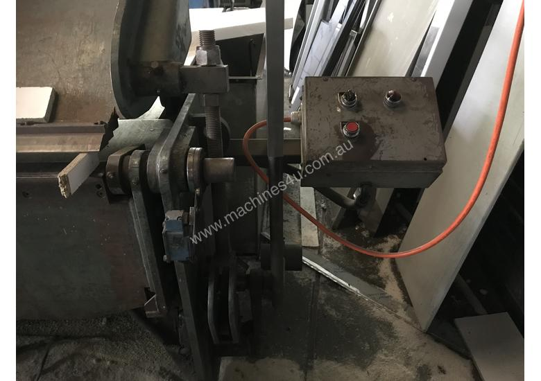 Available Now! - KLEEN 3050mm x 2mm Hydraulic Folder - Reduced For Quick sale
