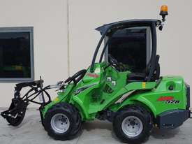 Avant 528 Mini Loader for Arborists - picture0' - Click to enlarge