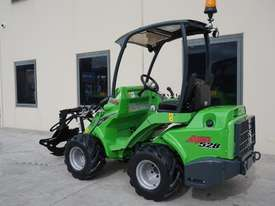 Avant 528 Mini Loader for Arborists - picture2' - Click to enlarge