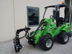Avant 528 Mini Loader for Arborists - picture4' - Click to enlarge