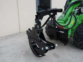 Avant 528 Mini Loader for Arborists - picture5' - Click to enlarge