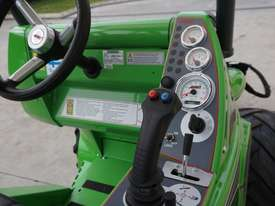 Avant 528 Mini Loader for Arborists - picture7' - Click to enlarge