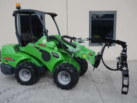 Avant 528 Mini Loader for Arborists - picture10' - Click to enlarge