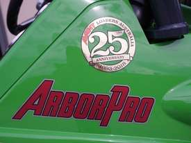 Avant 528 Mini Loader for Arborists - picture11' - Click to enlarge